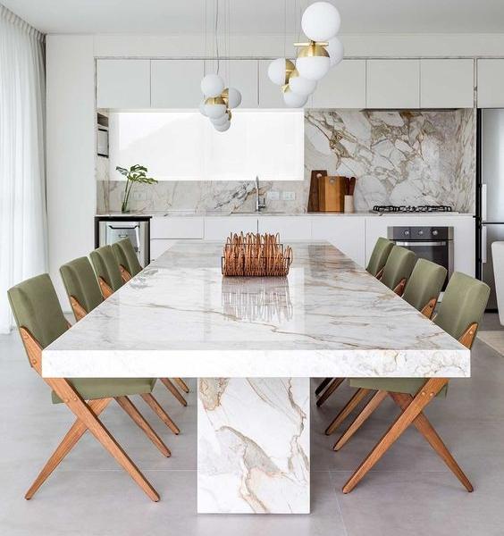 Qual é o formato de mesa ideal para ter na sua casa?